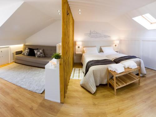 法多路径公寓客房内的一张或多张床位
