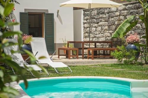 Casa do Lugar de Baixo内部或周边的泳池