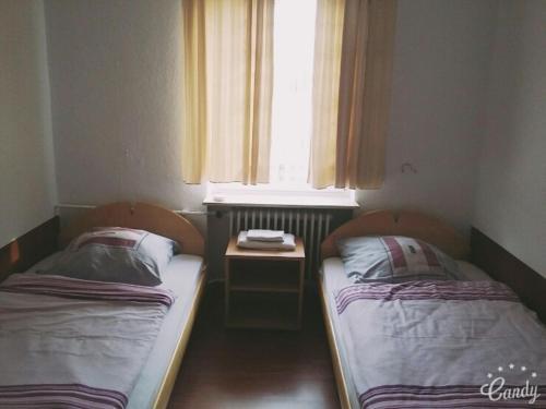 三玛鲁宾馆客房内的一张或多张床位
