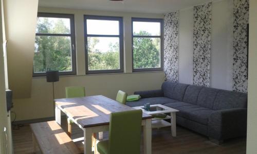 Fischerhaus Plau am See的休息区