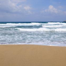 Provatas 4家海滩酒店