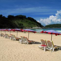 奈汉海滩 200家酒店