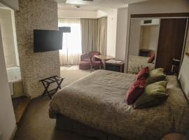 Antu Malal Hotel, Plaza Huincul