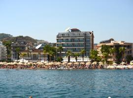 马里斯海滩酒店