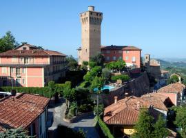 迪圣塔维多利亚城堡酒店, Santa Vittoria d'Alba