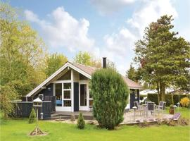 Three-Bedroom Holiday Home in Melby