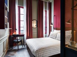 霍夫顿,巴黎酒店