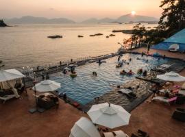 艺术度假村水疗和泳池别墅