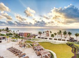 Hideaway at Royalton Riviera Cancun Adults Only - All Inclusive,位于莫雷洛斯港的度假村