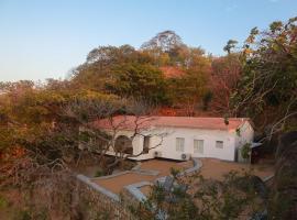 Kuwona Cottage, Senga