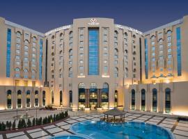 托利普金色广场酒店,位于开罗的酒店