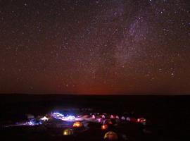 火星宿营地, 杜兹