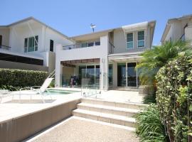 豪华美景的现代别墅, 黄金海岸 (南斯德布鲁克岛附近)
