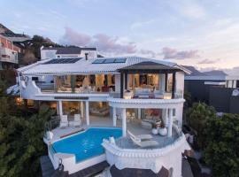 Capsol Villa Rentals - Eagle's Rock Villa