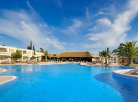 文奇海岸高尔夫度假酒店,位于奇克拉纳-德拉弗龙特拉的酒店