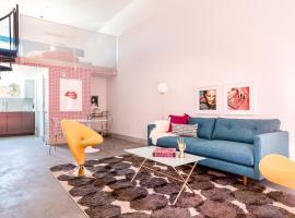 Artsy Hillcrest Suites by Sonder