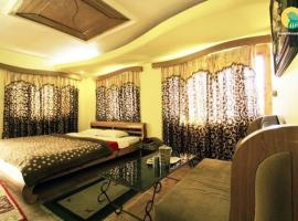 Guest house room on Mall Road, Manali, by GuestHouser 3894