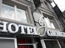 吉奥吉酒店, 巴斯托涅