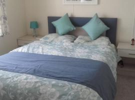 Luxury 6 berth lodge at Quince 10