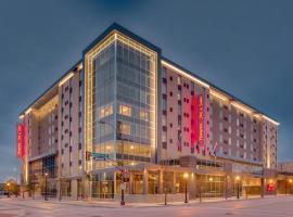 沃思堡市中心汉普顿套房酒店