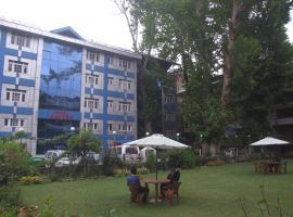 Hotel KayZee and Restaurant