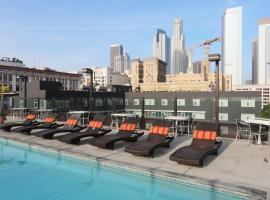 Downtown Art District Condo With Pool