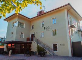 达斯阿尔特市政厅旅馆, Egna