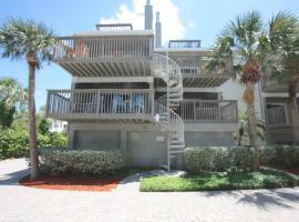 Pelican Point Beach suite