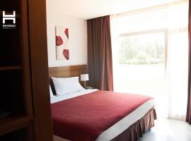 埃拉杜拉套房酒店
