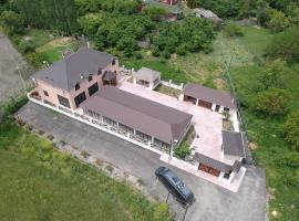 Grinvil Family Resort, Nabran