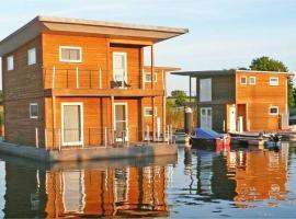 FLOATING HOUSES Classic _ Kroeslin