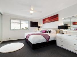 Balmain Self-Contained Modern Two-Bedroom Apartment (5738DAR)
