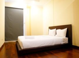 Homey 1BR The Bellezza Apartment By Travelio