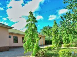 Mount Ketumbeine Motel, Longido