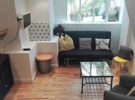 Stylish studio with mezzanine 5 min to the tube