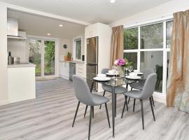 Albemarle Villa - Christchurch Holiday Homes