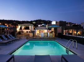 常伯伦西好莱坞酒店