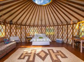 Romantic Yurt, Stunning Mtn Views, nr Wanaka