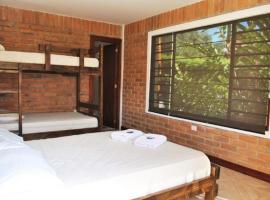 Live the Life Lodge: Quadruple Room 2