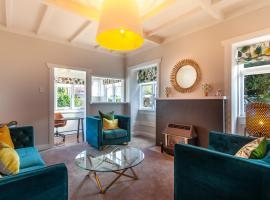 Sunny and spacious character villa in Mount Eden