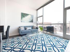 Distinct Lincoln Park Suites by Sonder