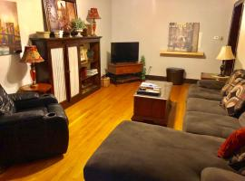 Beautifully furnished 3 bedroom by Wrigley #1