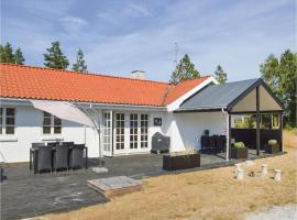 Three-Bedroom Holiday Home in Strandby