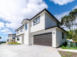 Greenlane Brand New Premium Modern 4 Bdrm Vacation Home