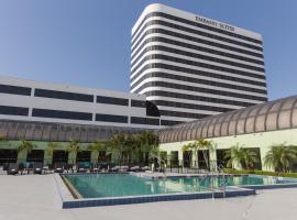 西棕榈滩中心希尔顿合博套房酒店