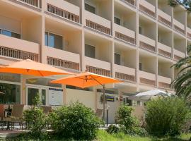 德尔姆伯诺莱斯本斯赛特最佳西方酒店, 巴拉吕克莱班