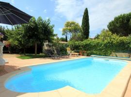 Madrague de la Ville Villa Sleeps 8 Pool