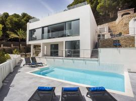 Aduanas Villa Sleeps 8 Pool Air Con WiFi, Aduanas