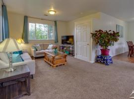 Crystal's Cottage is 2 Bdrms, 2 Full Baths in Quiet Neighborhood Near Beaches