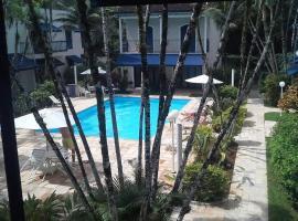 Ubatuba - piscina e praia a pé - ar condicionado